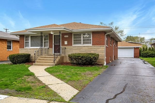 18418 glen Oak Lansing, IL