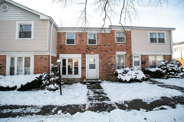 2092 Falmouth Streamwood, IL