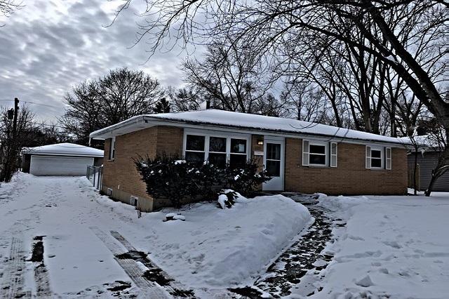 225 Bonnie Brae Grayslake, IL