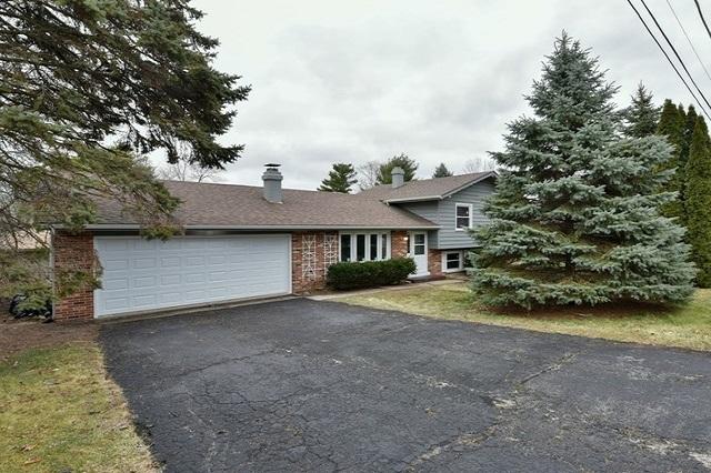301 Hazelwood Lindenhurst, IL