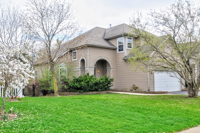 355 Wagonwood Round Lake, IL