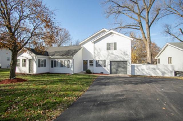 374 Elmwood Crystal Lake, IL