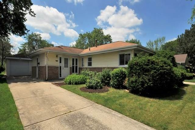426 Springfield Park Forest, IL