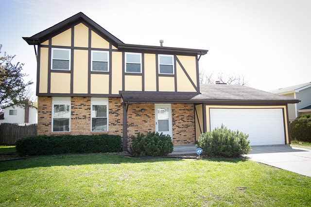 5817 Woodgate Matteson, IL