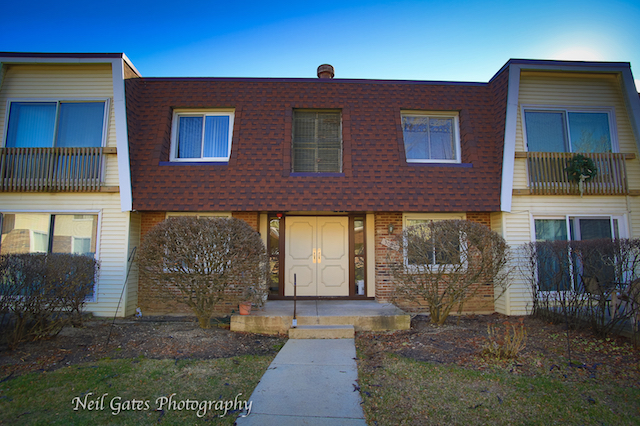 3026 Roberts Woodridge, IL