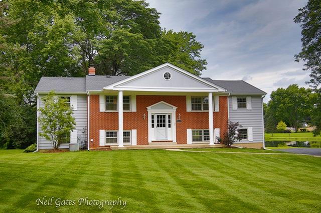 136 Wedgewood Barrington, IL