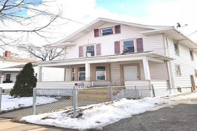 422 Woodlawn Aurora, IL